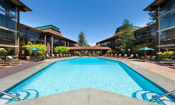 Hotel DoubleTree by Hilton Seattle Airport, Estados Unidos - Piscina