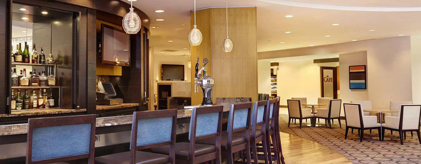 DoubleTree by Hilton Hotel Washington DC – Crystal City, VA – Lobby-Bar