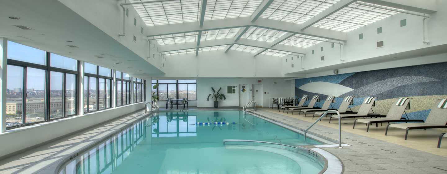 DoubleTree by Hilton Hotel Washington DC – Crystal City, VA – Swimmingpool