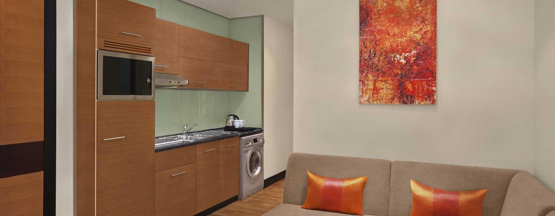DoubleTree by Hilton Hotel and Residences Dubai – Al Barsha -hotelli, Yhdistyneet Arabiemiirikunnat – studion keittiöalue