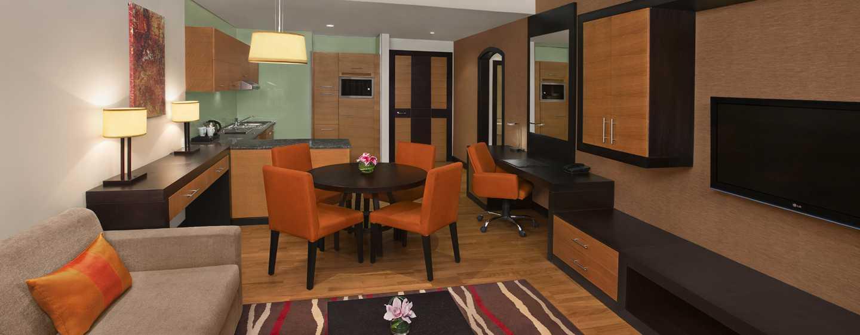 DoubleTree by Hilton Hotel and Residences Dubai – Al Barsha -hotelli, Yhdistyneet Arabiemiirikunnat – yhden makuuhuoneen huoneisto, olohuone