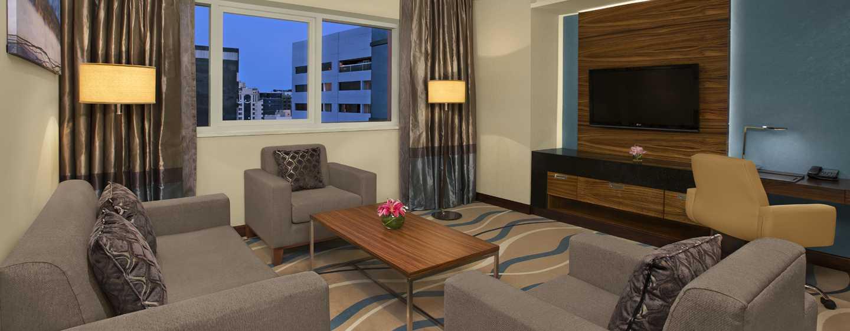 DoubleTree by Hilton Hotel and Residences Dubai – Al Barsha -hotelli, Yhdistyneet Arabiemiirikunnat – yhden makuuhuoneen sviitti, olohuone