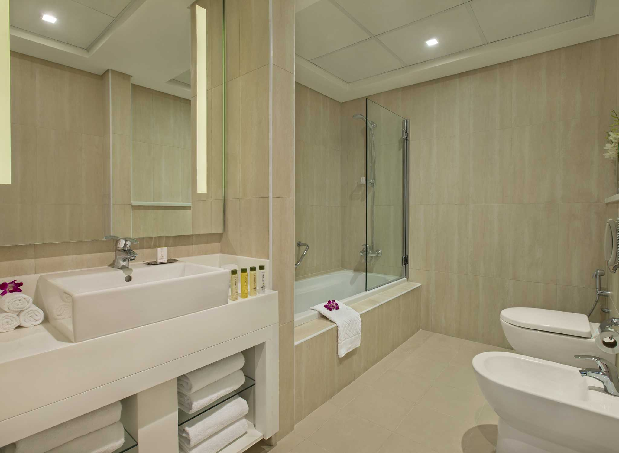 Salle De Bain Hilton ~ hotell i dubai f renade arabemiraten jumeirah beach