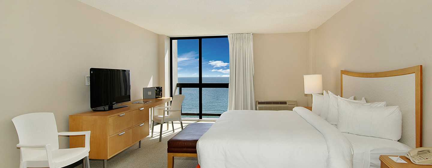 Bahia Mar Fort Lauderdale Beach - a DoubleTree by Hilton Hotel, USA – King-Size-Bett