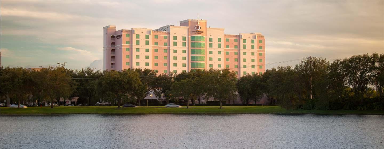 Hotel DoubleTree by Hilton Sunrise - Sawgrass Mills, Florida, EE.UU. - Fachada del hotel
