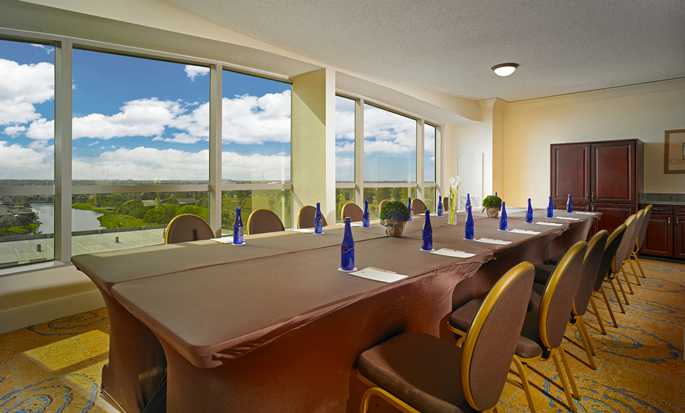DoubleTree by Hilton Hotel Sunrise - Sawgrass Mills, Florida USA - The View Room