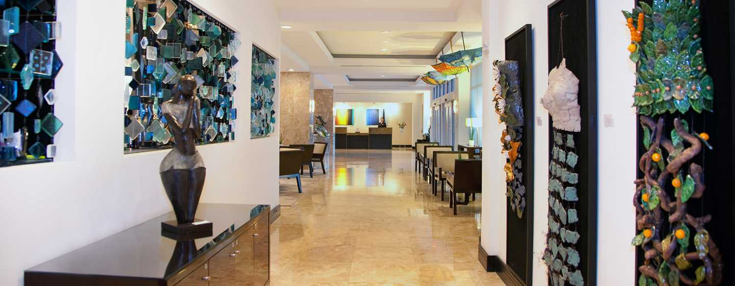 GALLERYone – a DoubleTree Suites by Hilton Hotel – Área do lobby