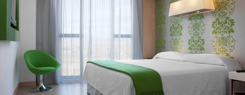 DoubleTree by Hilton Girona, España - Habitación con cama King