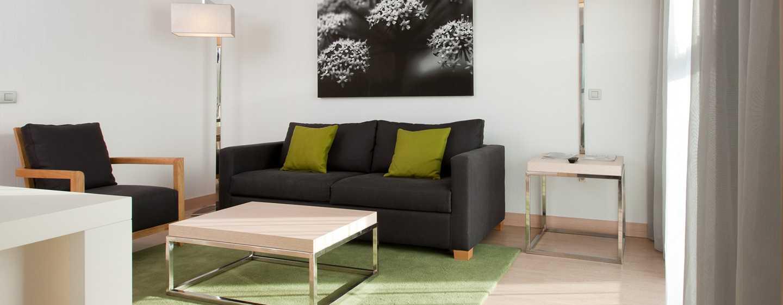 DoubleTree by Hilton Girona, España - Suite de un dormitorio con cama King