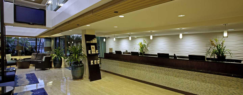 Hôtel DoubleTree by Hilton Alana - Waikiki Beach, États-Unis - Spacieux hall