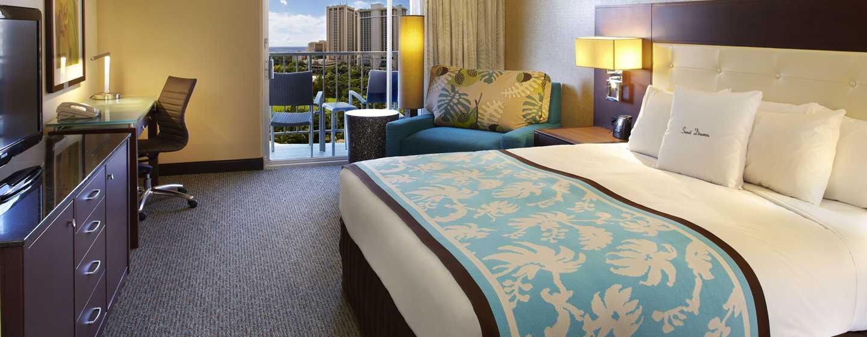 Hôtel DoubleTree by Hilton Alana - Waikiki Beach, États-Unis - Chambre avec vue partielle sur l'océan