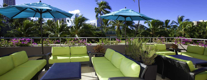 Hôtel DoubleTree by Hilton Alana - Waikiki Beach, États-Unis - Terrasse de la piscine