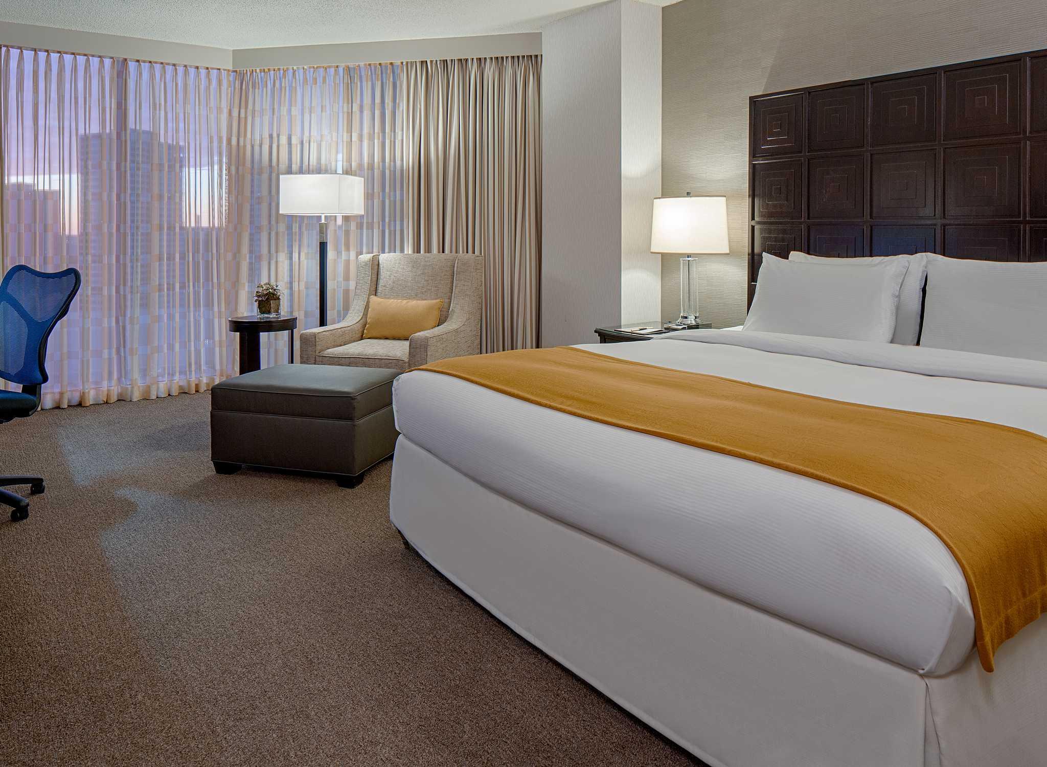 Hotel Doubletree By Hilton Houston Greenway Plaza Habitación Con Cama King