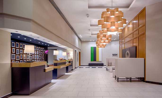 Hôtel DoubleTree by Hilton Hotel Houston - Greenway Plaza - Hall
