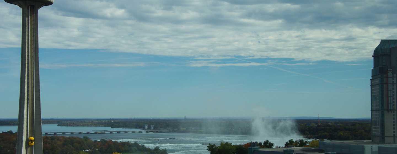 Hôtel DoubleTree Fallsview Resort & Spa by Hilton - Niagara Falls, Canada - Vue sur la rivière