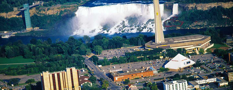 Hôtel DoubleTree Fallsview Resort & Spa by Hilton - Niagara Falls, Canada - À quelques pas des chutes du Niagara