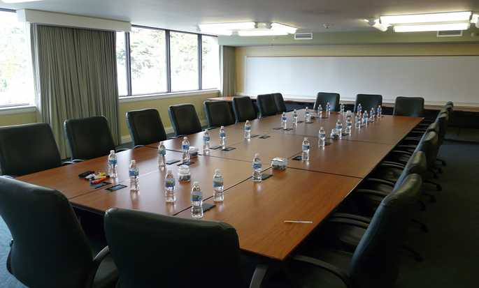 DoubleTree by Hilton Hotel Berkeley Marina - Conference Room