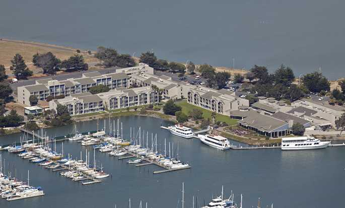 DoubleTree by Hilton Hotel Berkeley Marina - Exterior Aerial View