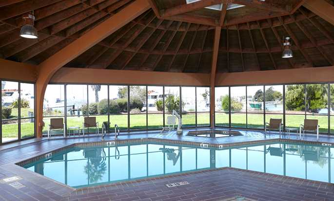 DoubleTree by Hilton Hotel Berkeley Marina - Indoor Pool