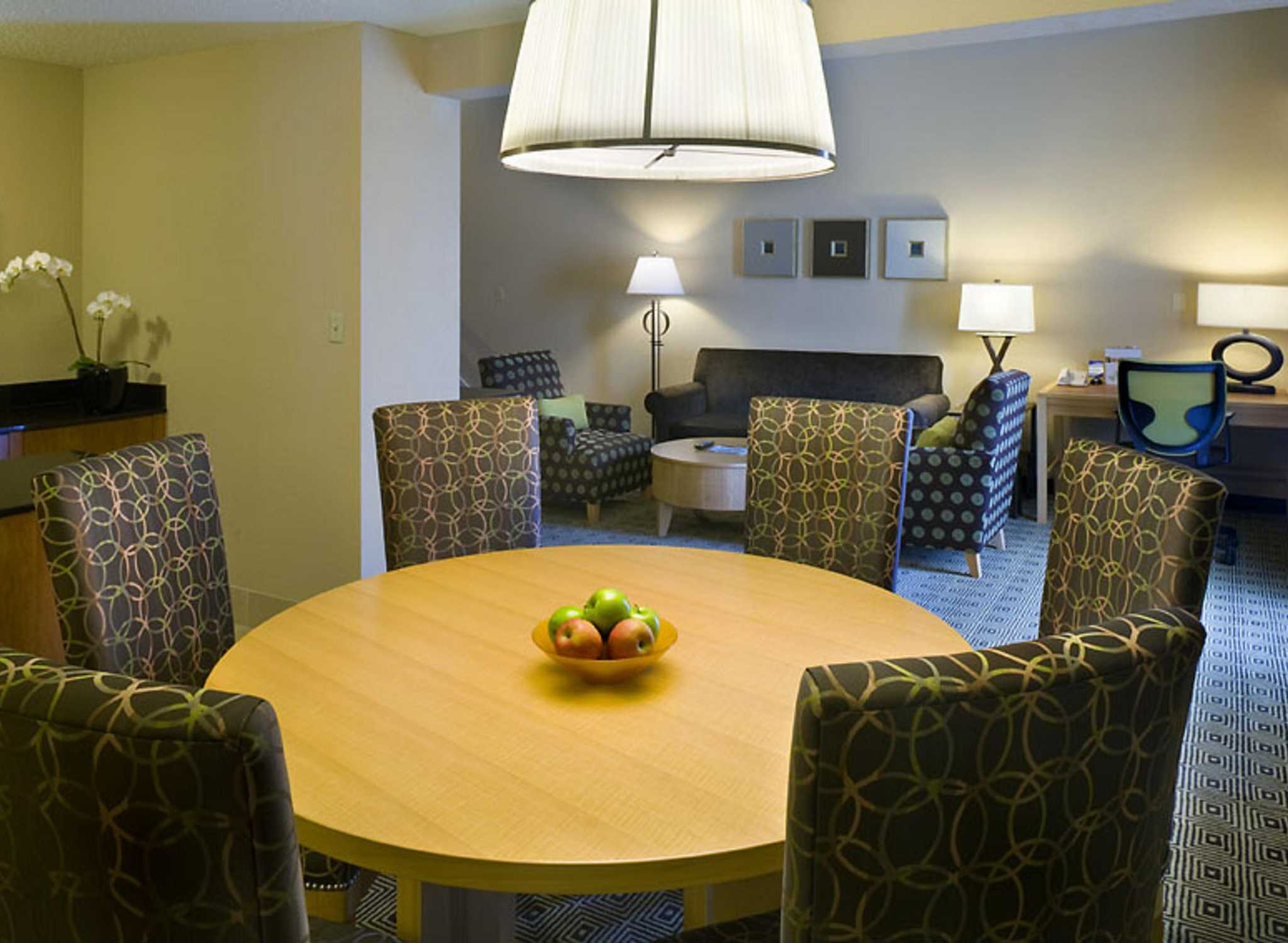 Doubletree By Hilton Hotel Berkeley Marina King Bed 2 Room Suite Living Area