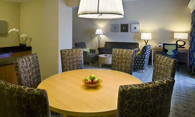 DoubleTree by Hilton Hotel Berkeley Marina - King Bed 2 Room Suite Living Area
