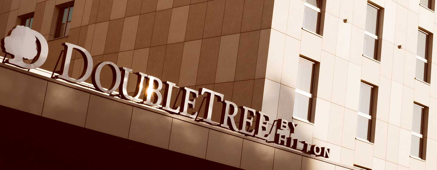 DoubleTree by Hilton Krakow Hotel & Convention Center | Polska – Fasada hotelu