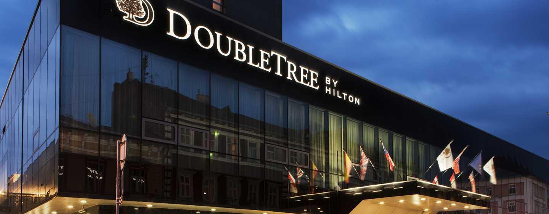DoubleTree by Hilton Hotel Kosice, Slovensko - Hotel v noci