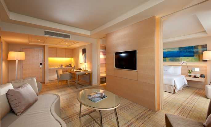 DoubleTree by Hilton Hotel Kuala Lumpur, Malaysia – Executive Suite