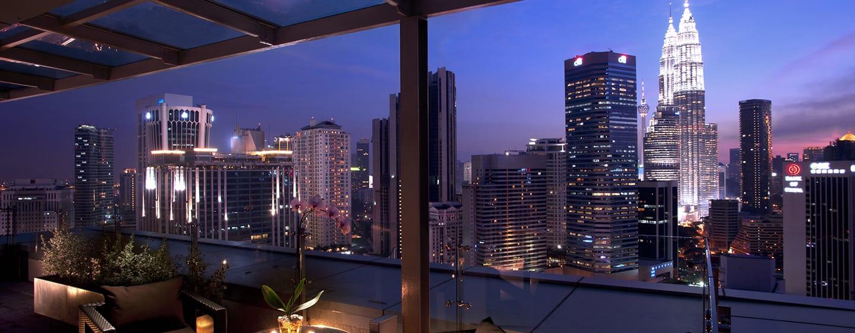Doubletree by Hilton Hotel Kuala Hotel, Malaysia – Suite mit Terrasse
