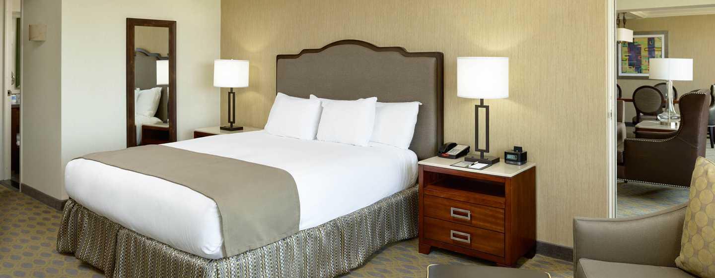 Hotel DoubleTree by Hilton Los Angeles - Westside, EE. UU. - Dormitorio de la suite Presidential