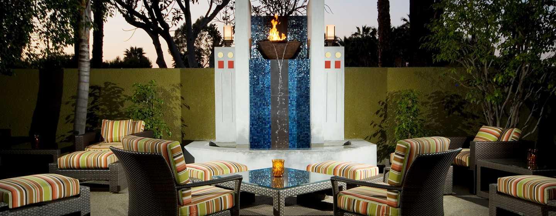 Hotel DoubleTree by Hilton Los Angeles - Westside, EE. UU. - Patio al aire libre