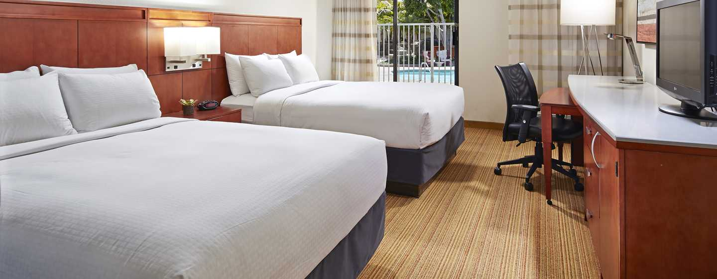 marina del rey hotels hotel mdr marina del rey ein doubletree by hilton. Black Bedroom Furniture Sets. Home Design Ideas