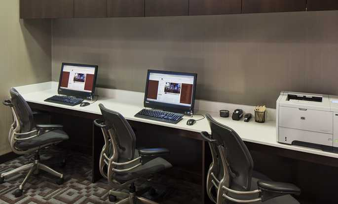 DoubleTree Suites by Hilton Hotel New York City - Business Center