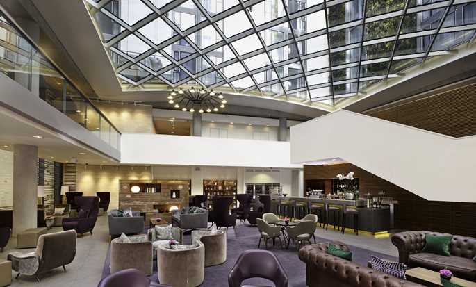 DoubleTree by Hilton Hotel London – Tower of London, Reino Unido – Bar do lobby