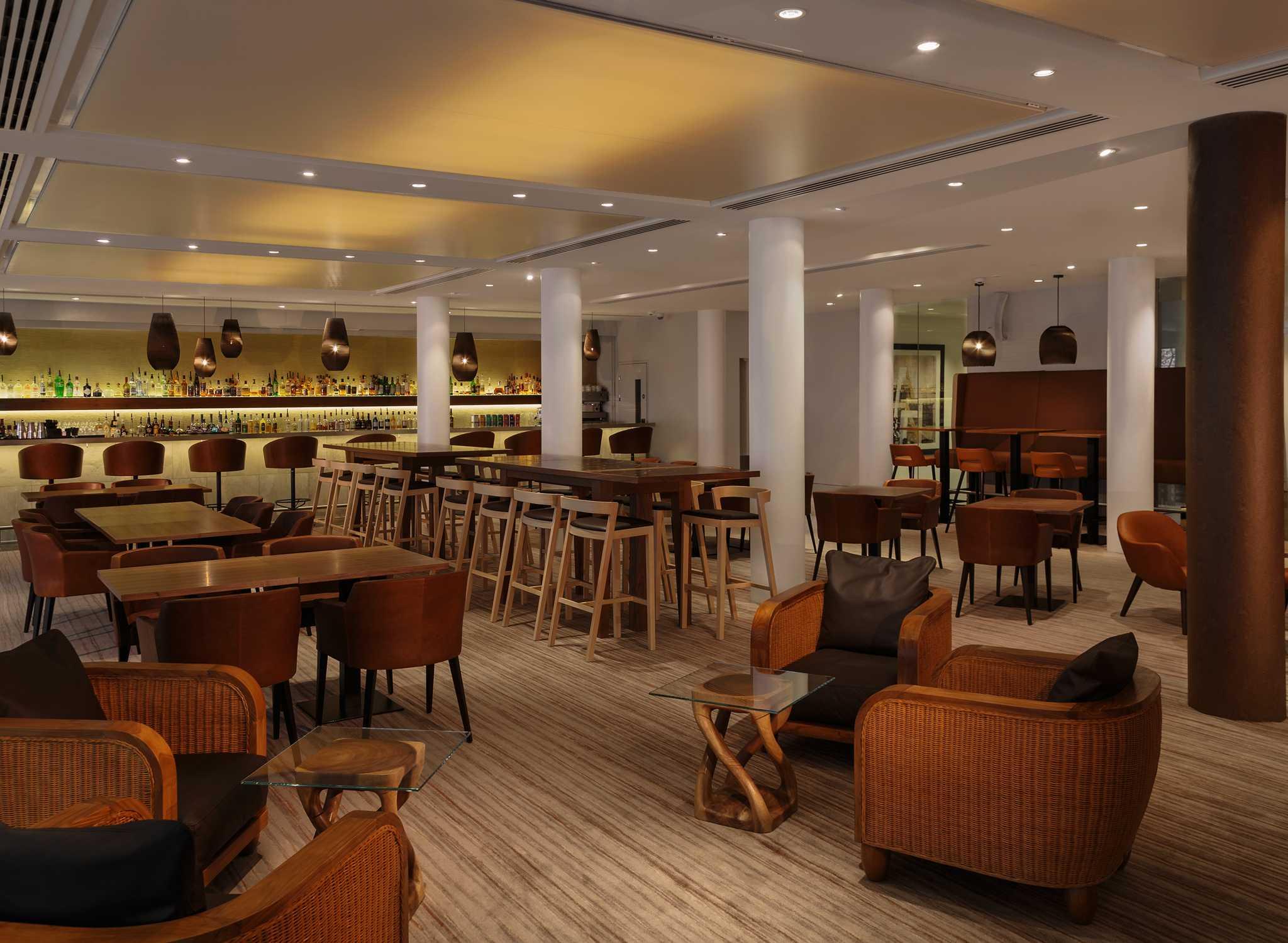 hilton hotels resorts gro britannien. Black Bedroom Furniture Sets. Home Design Ideas