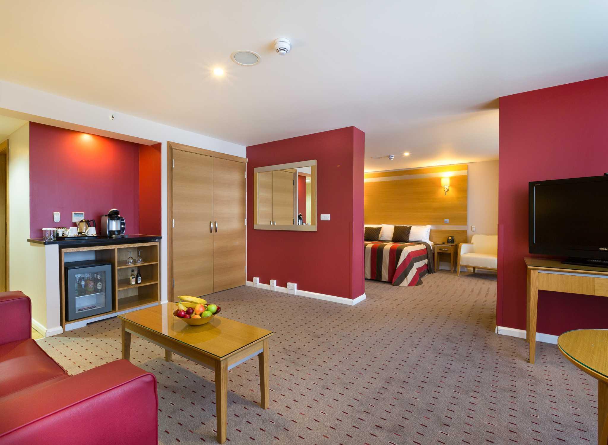 DoubleTree By Hilton Milton Keynes Grossbritannien Suite