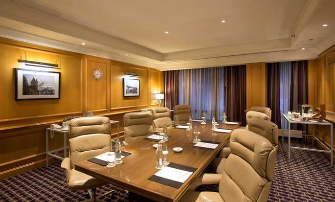 DoubleTree by Hilton Hotel Luxembourg – Salon Number One