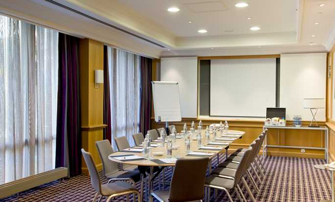 DoubleTree by Hilton Hotel Luxembourg, Luxemburg – Salon Number One