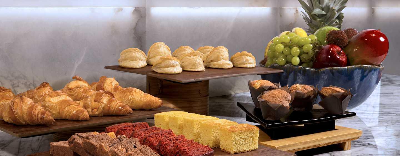 Hotel DoubleTree by Hilton Madrid-Prado, España - Buffet desayuno