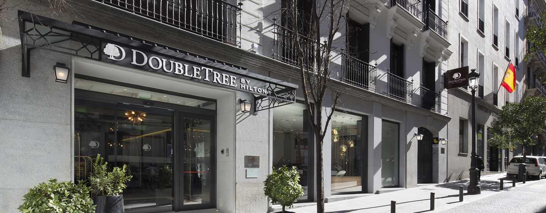 Hotel DoubleTree by Hilton Madrid-Prado, España - Entrada hotel