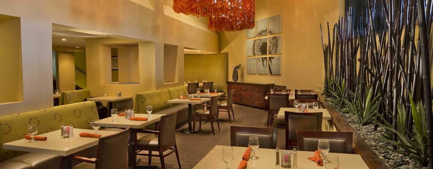 Hotel DoubleTree by Hilton Orlando at SeaWorld, Florida - Bamboo Grille