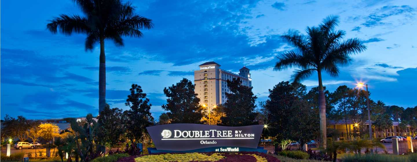 DoubleTree by Hilton Hotel Orlando vid SeaWorld, Florida – Hotellets fasad