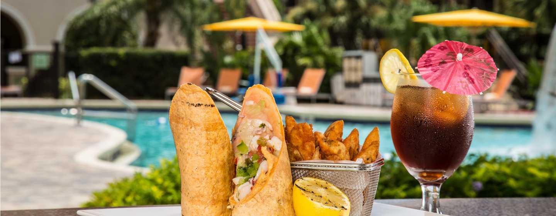Hotel DoubleTree by Hilton Orlando at SeaWorld, Florida - Comida junto a la piscina