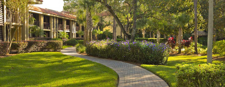 Hotel DoubleTree by Hilton Orlando at SeaWorld, Florida - Sendero del resort