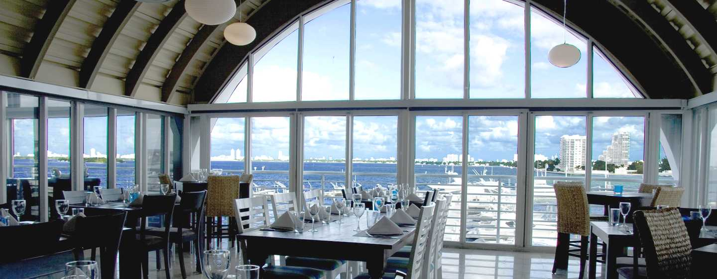 DoubleTree by Hilton Grand Hotel Biscayne Bay hotel, Miami - Casablanca Seafood Bar & Grill