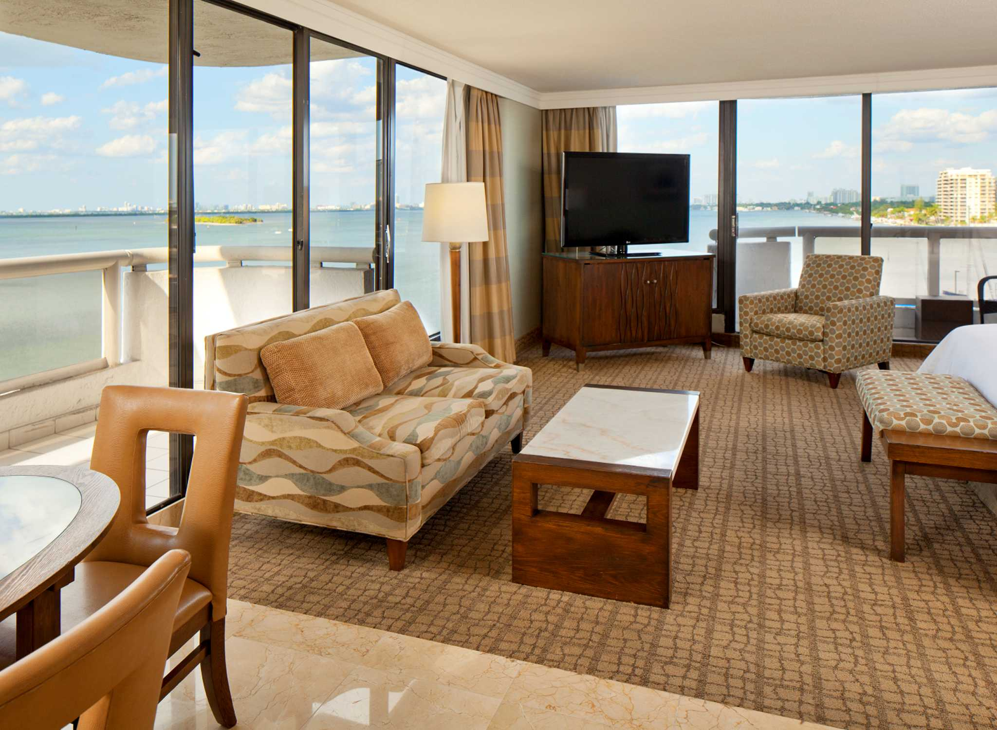 Doubletree Grand Biscayne Bay Hot 233 Is Em Miami