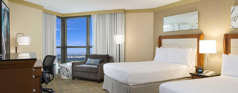 Hotel DoubleTree by Hilton Miami Airport & Convention Center, Florida, EE. UU. - Habitación con camas dobles
