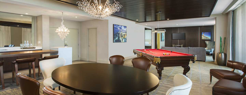 Hotel DoubleTree by Hilton Miami Airport & Convention Center, Florida, EE. UU. - Sala de estar de la suite Presidential