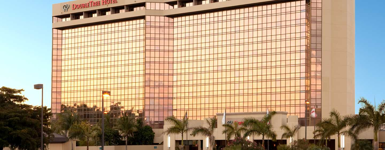 Hotel DoubleTree by Hilton Miami Airport & Convention Center, Florida, EE. UU. - Fachada del hotel