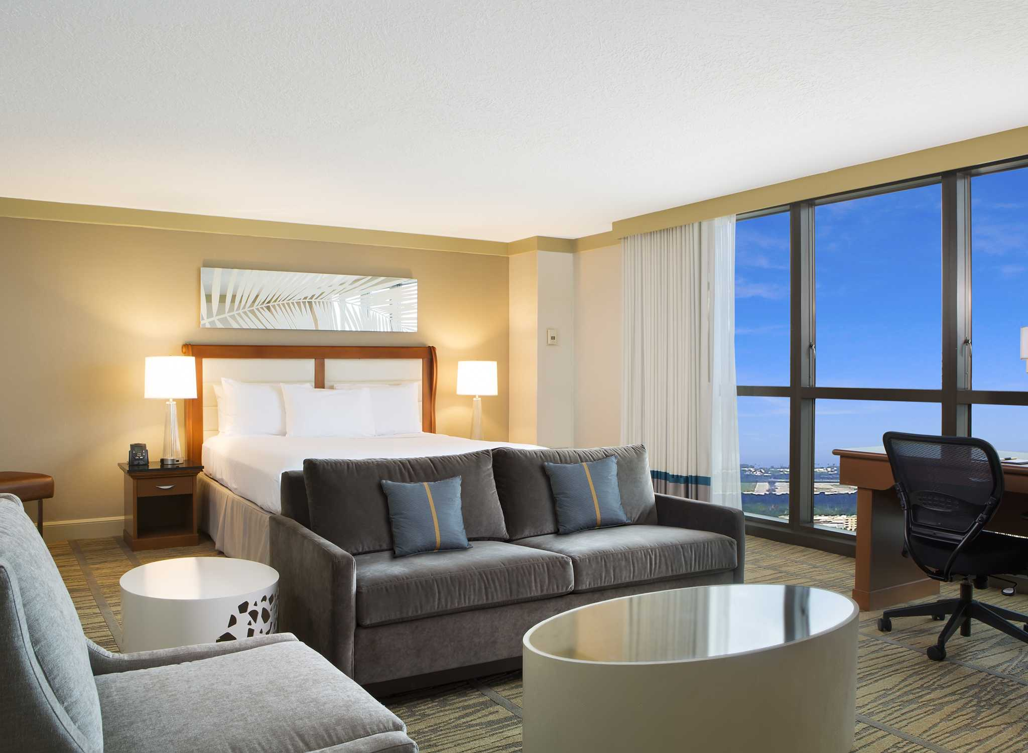 Hoteles En Miami Florida Hotel Doubletree By Hilton